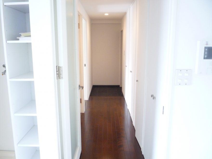 廊下部屋→玄関